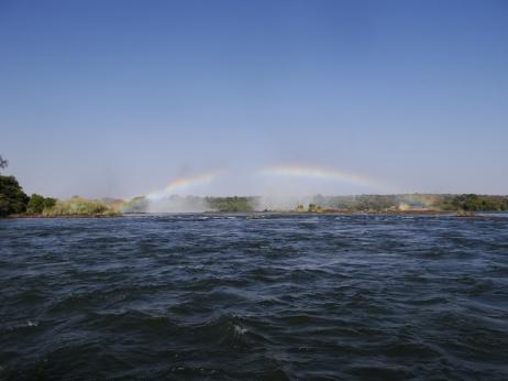 Boven de waterval