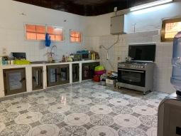 Keuken met rommel